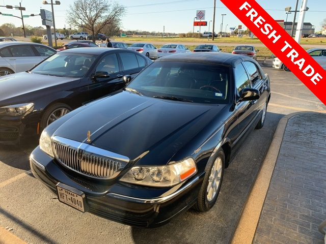 Pre Owned 2009 Lincoln Town Car Signature 4d Sedan In Bryan